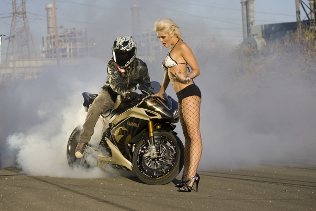 roland-sands-motorcycle-burnout
